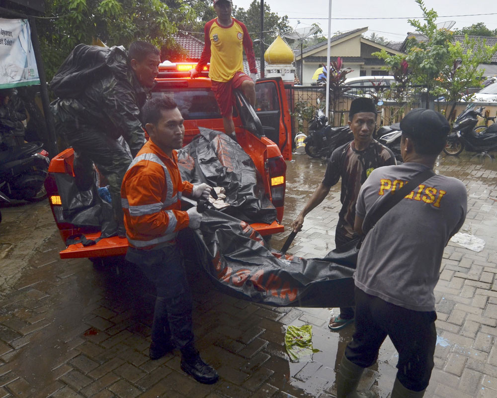 222 dead as volcano-triggered tsunami hits Indonesia