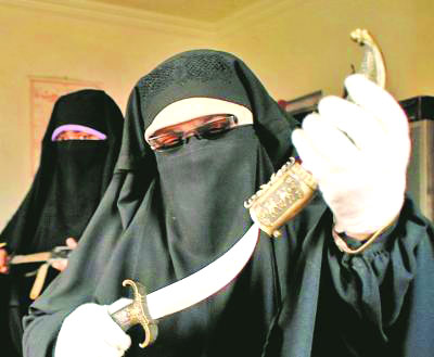 Andrabi confesses nexus with ISI, leT, Hizbul