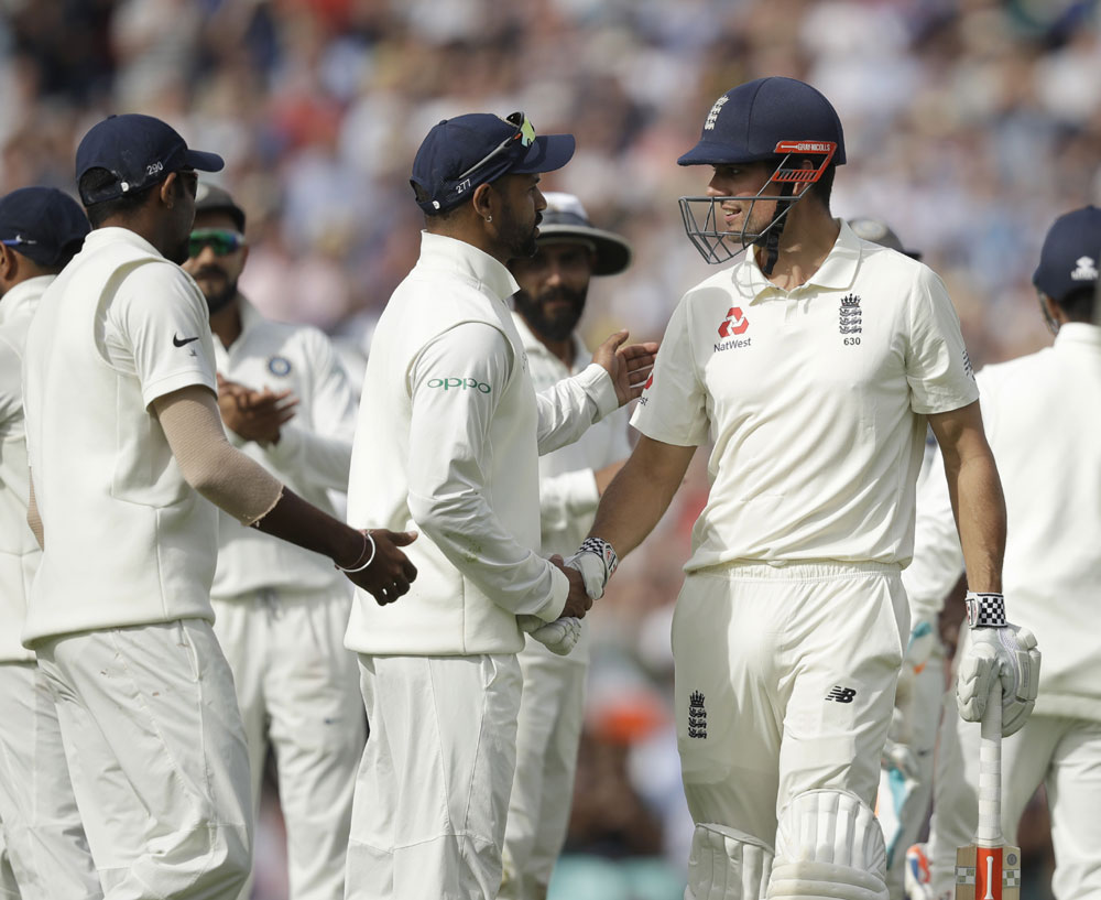 Cook hits farewell ton, Root scores hundred as England extend their lead to 404