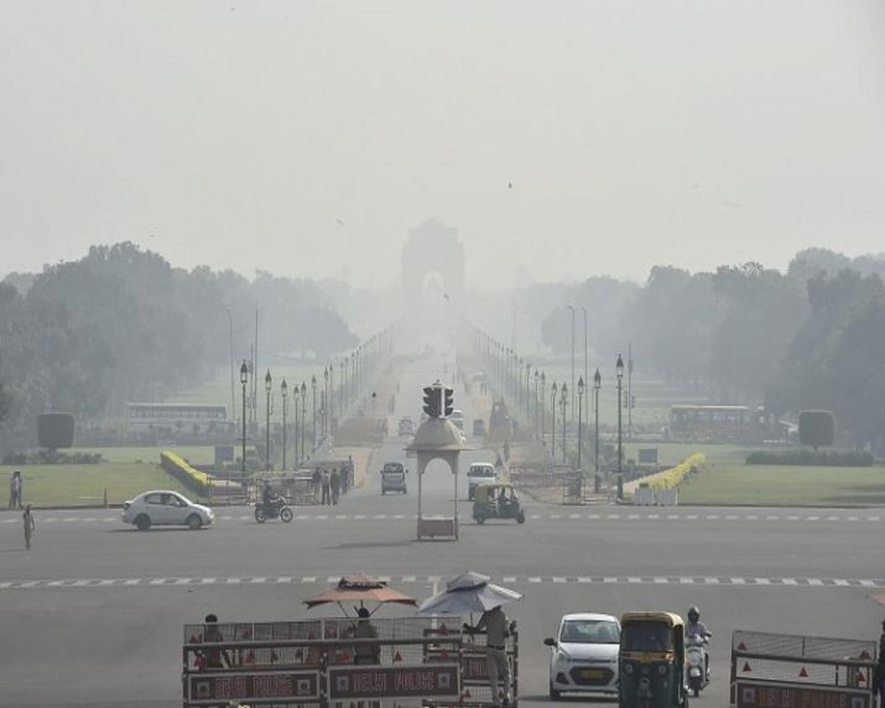 Delhi continues to choke with very poor air quality, 5 areas record severe pollution
