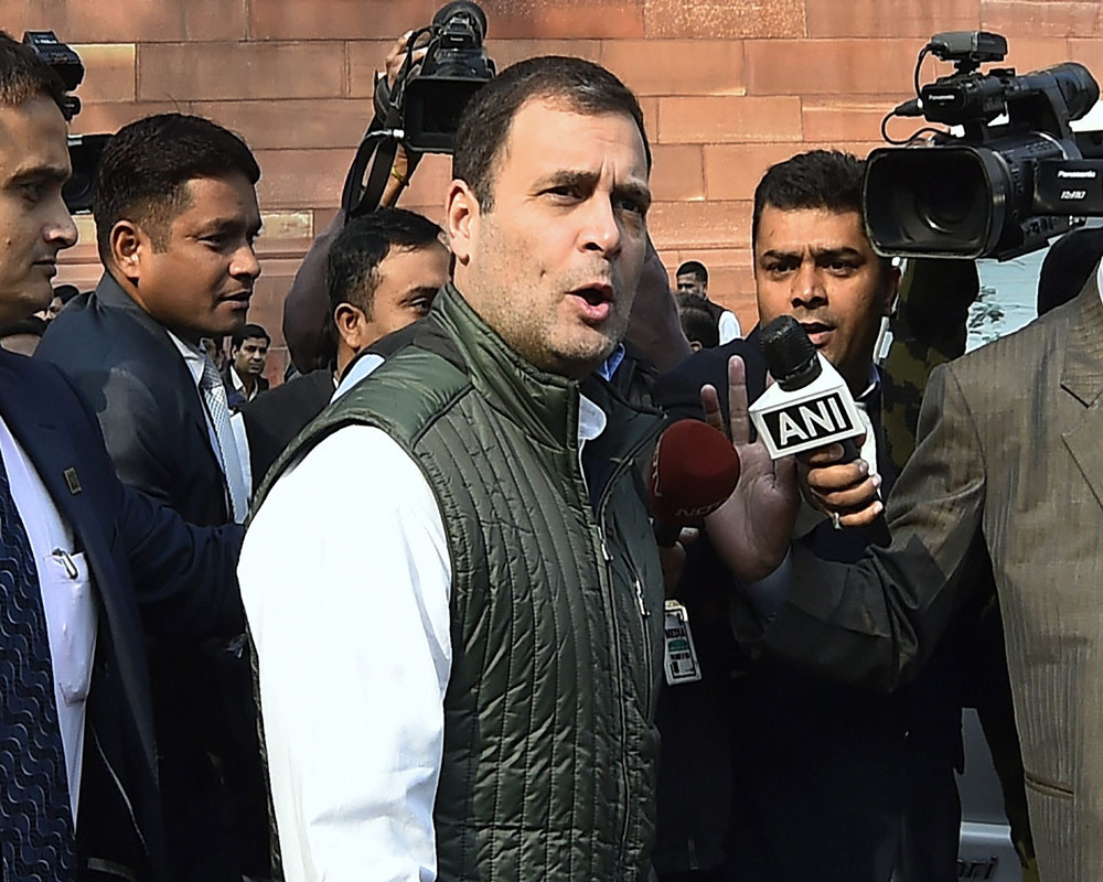 Rahul to hold fresh round of discussions with Rajasthan CM hopefuls Gehlot, Pilot