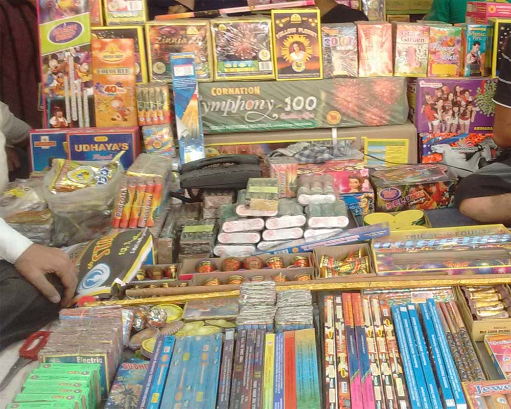 SC permits sale and manufacture of 'green' crackers, fixes time for  bursting firecrackers