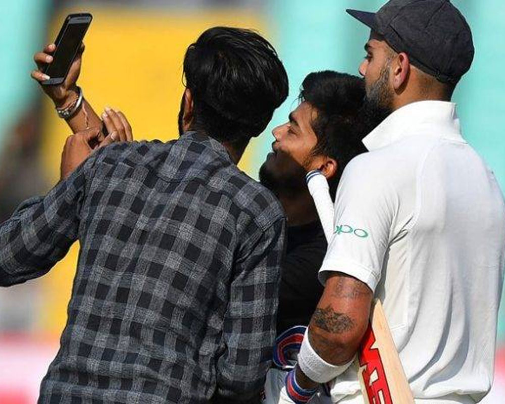 Selfie with Virat: Case filed against fan