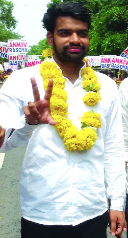 Suspended by ABVP on fake degree, Ankiv  quits as DUSU chief