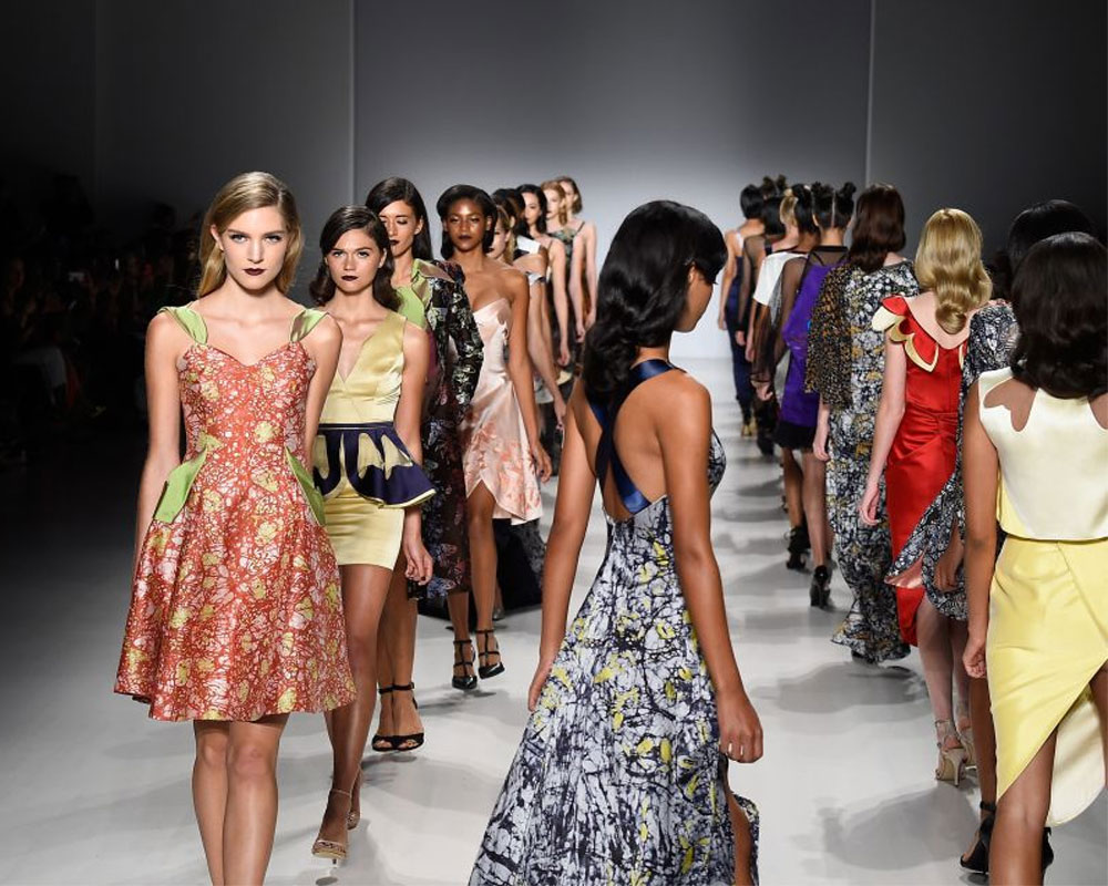 Uk India Fashion Designers To Boost Ne Women Textile Workers