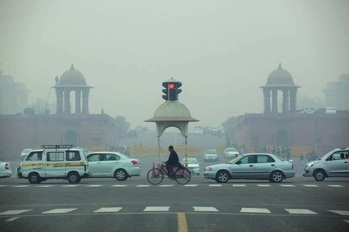 Vehiclular pollution defiles clean air in Capital