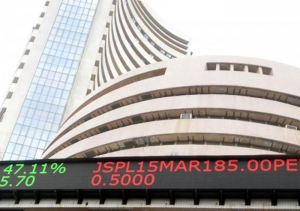 Equity indices open in green; IT stocks rise
