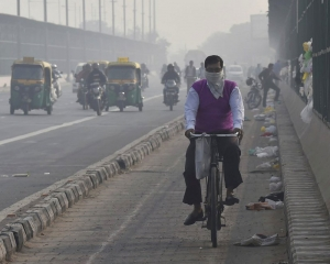 Air pollution cuts average Indian's life expectancy by over 4 years