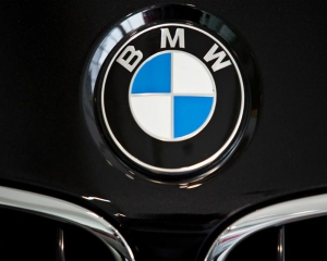 BMW to recall 1.6 million vehicles worldwide over fire risk