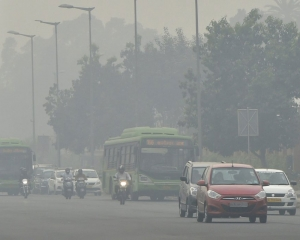 Delhi's air pollution on path of reversal, quality oscillates between poor, very poor