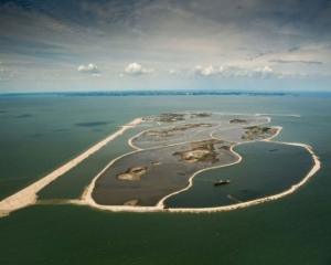 Dutch build artificial islands to bring wildlife back