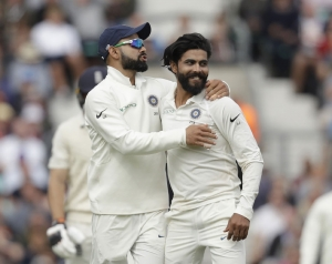 Fifth Test: England bowled out for 332 in first innings