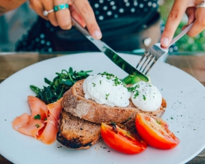 High carb diet may lead to weight loss: Study