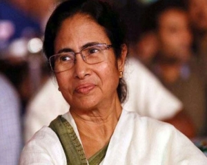 Humanitarian obligation to give refugee to migrants: Mamata