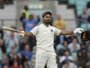 Pant scores maiden hundred as India sniff at improbable victory