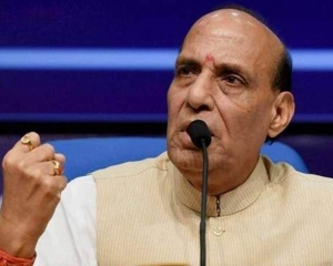 Rajnath assures TN govt of central help to deal with cyclone 'Gaja'