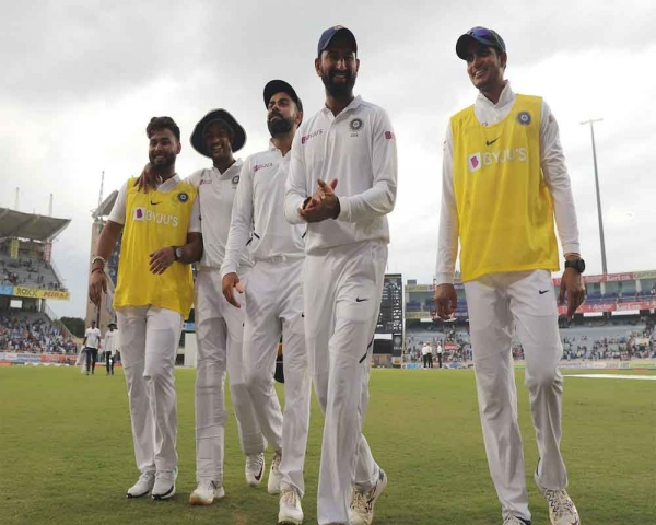 Second day's play called off due to bad light, SA 9/2 in reply to India's 497/9 declared