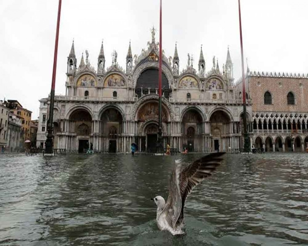 Venice braces for more high water as alarms sound