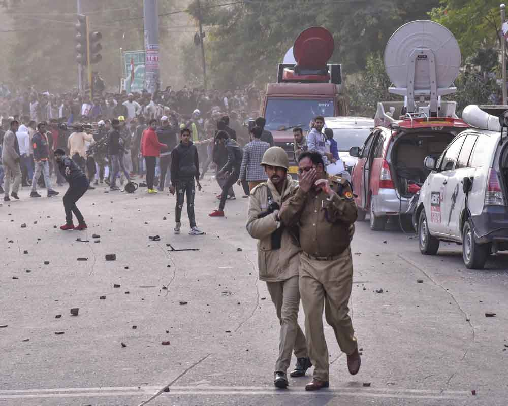 CAA: 150 protesters detained in Lucknow, internet snapped