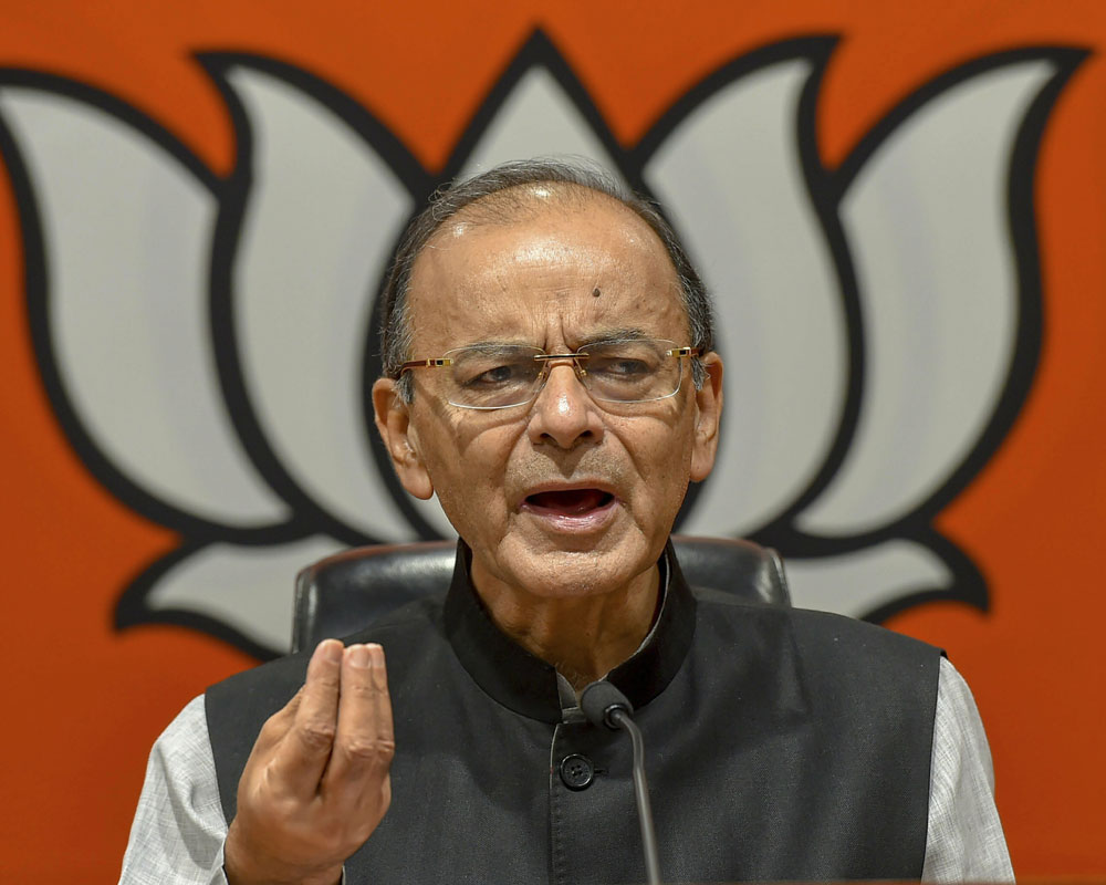 Cong's bid to 'cheat' poor again: Jaitley on Rahul's minimum income promise