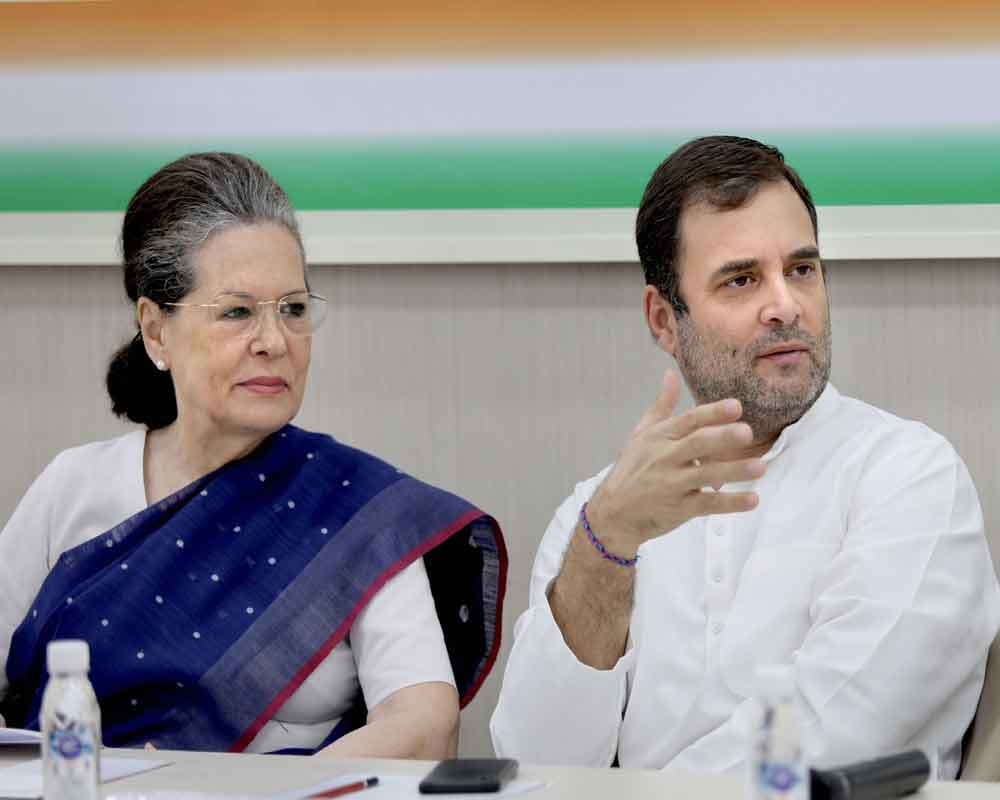 Rahul declines to take back resignation, Sonia Gandhi appointed interim Cong chief