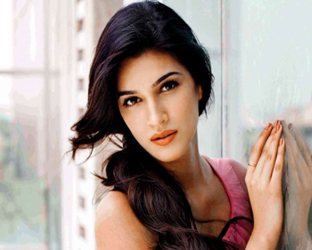 Watch Kriti Sanon video