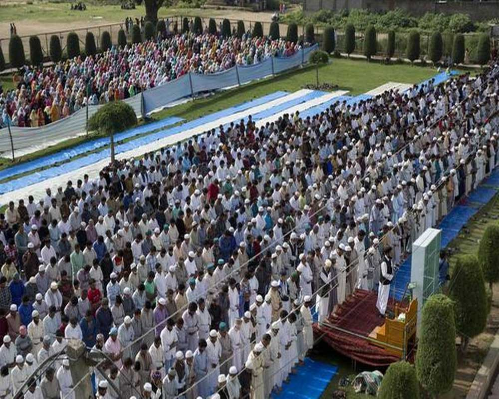 Eid in J-K passes off peacefully barring few incidents, no firing in
