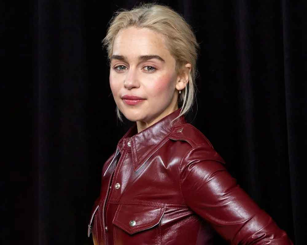 Emilia Clarke's mum doesn't allow her to get drunk on Xmas