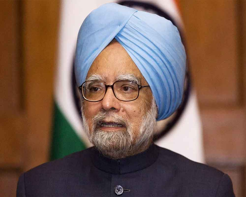 Govt should fulfil promise of special status to Andhra without delay: Manmohan Singh