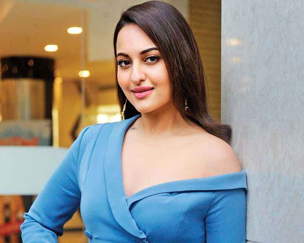Have been able to achieve balance between commercial and parallel cinema: Sonakshi
