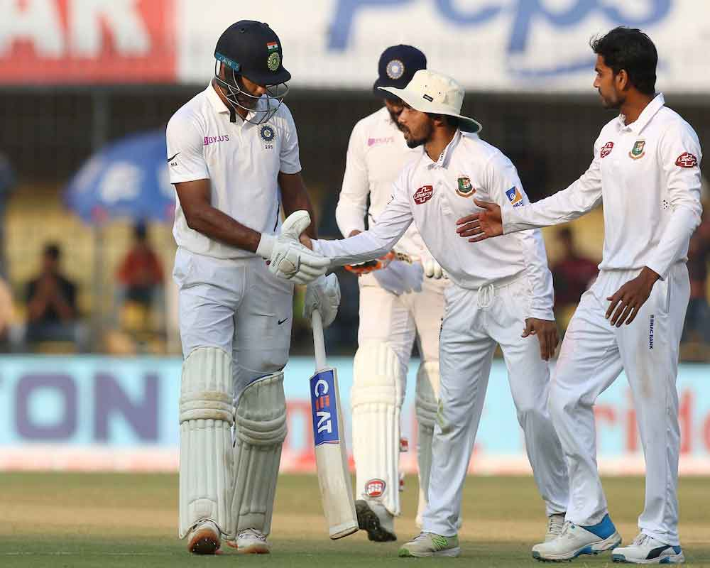 India reach 493-6 at stumps against Bangladesh on day 2 of first Test