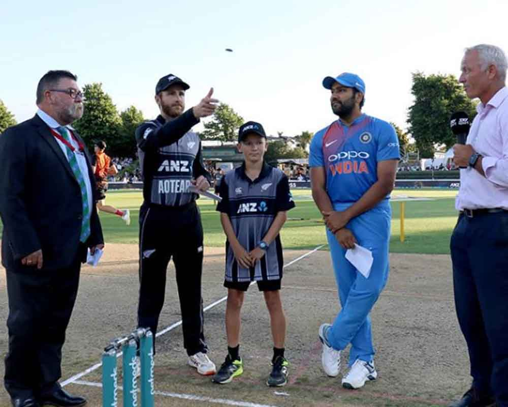 India win toss, opt to bowl in 3rd T20I against NZ
