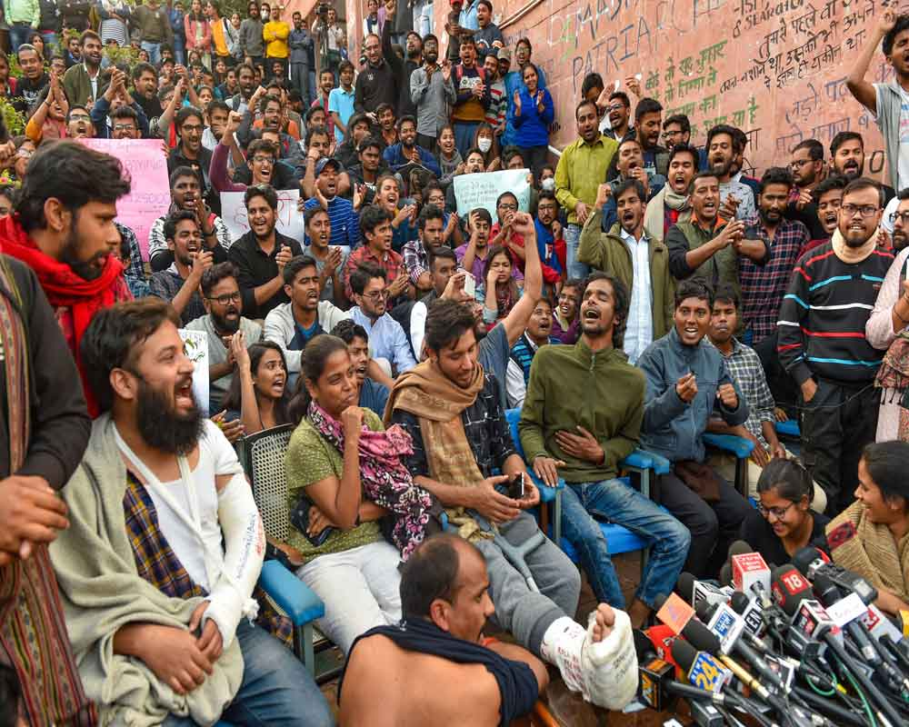 JNU moves HC; seeks contempt action against students, police for violating court order