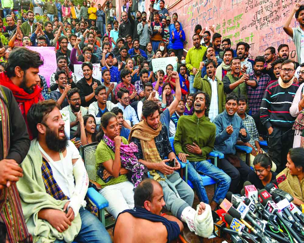 JNU protesters booked for rioting; students demand no legal action