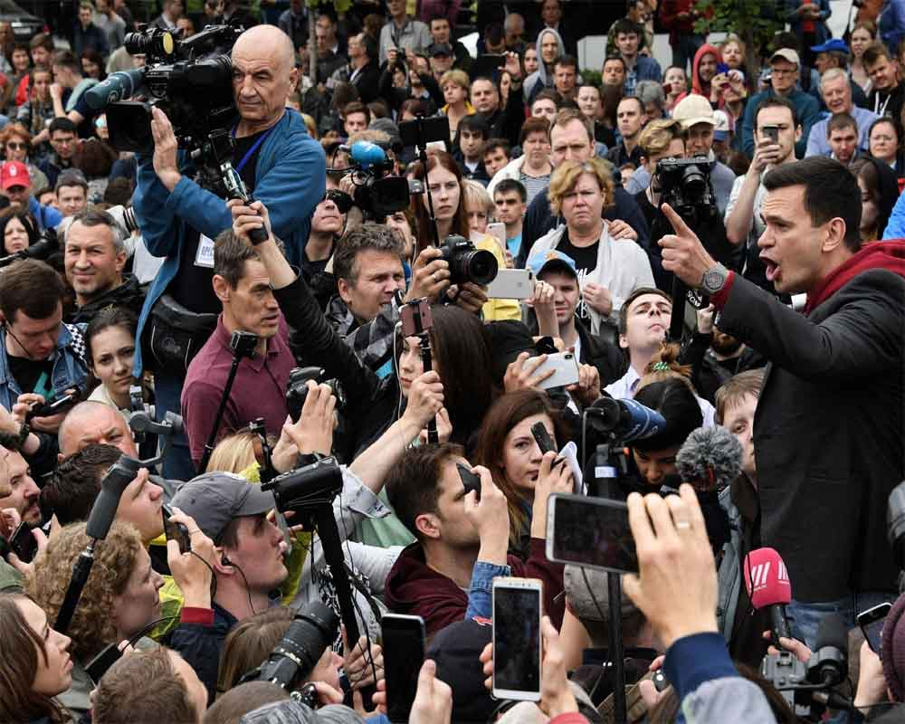 Opposition figures arrested during Moscow vote demo