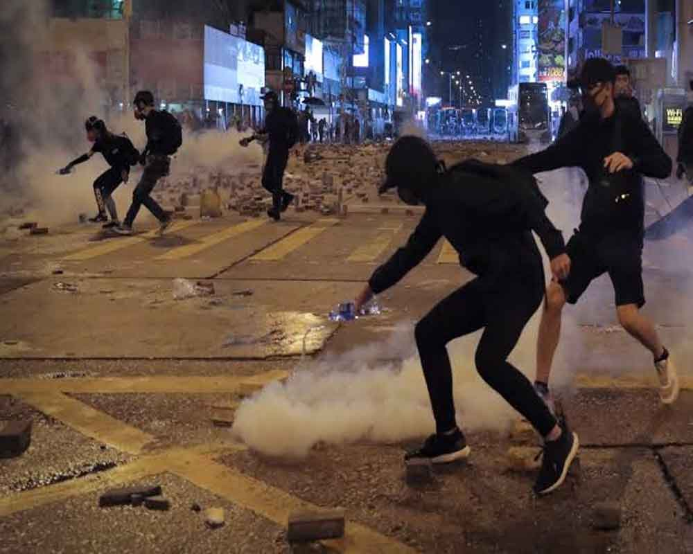 Police, protesters face off in renewed clashes in Hong Kong
