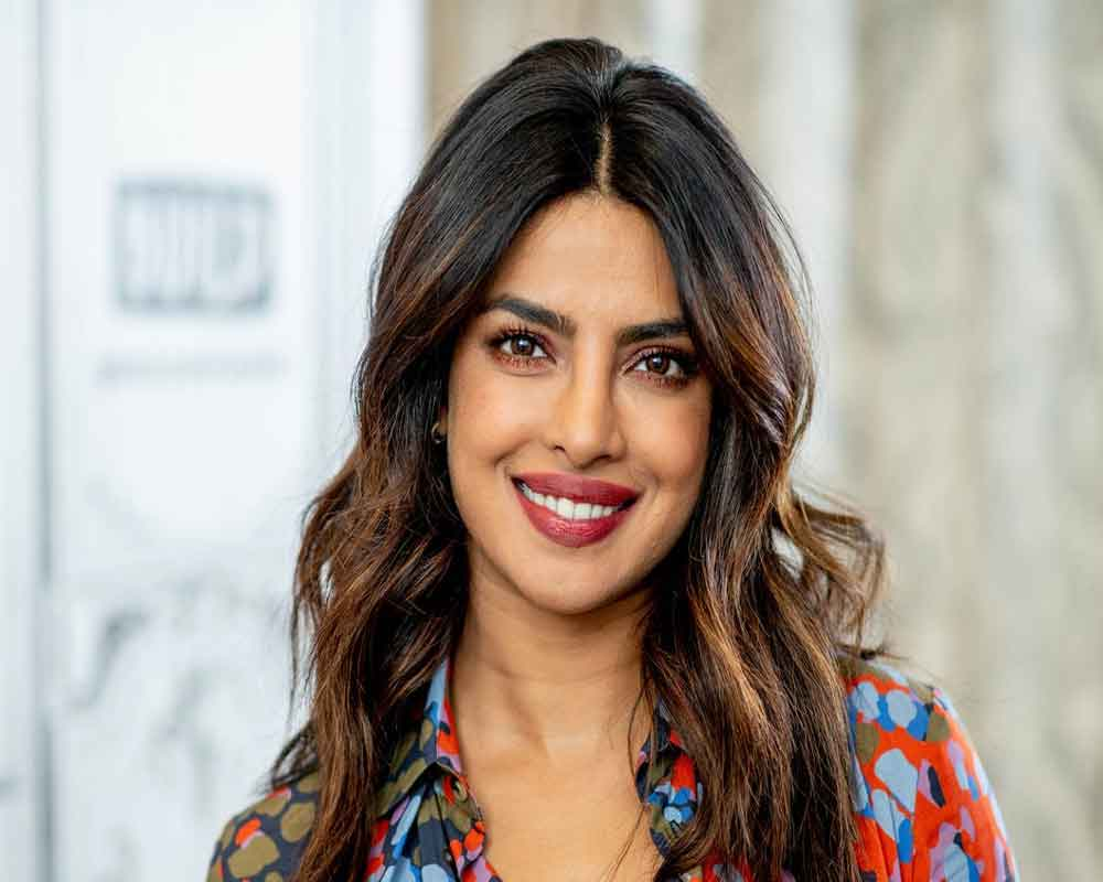 Priyanka makes breathtaking bride on Vogue cover