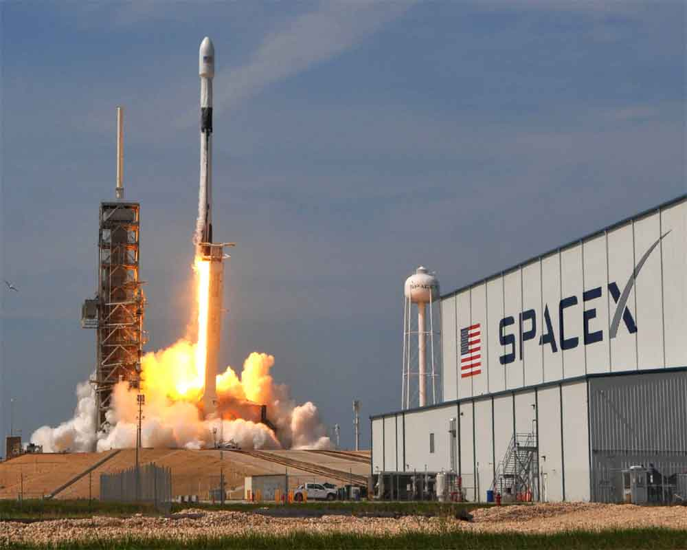 SpaceX postpones launch of its first internet network ...