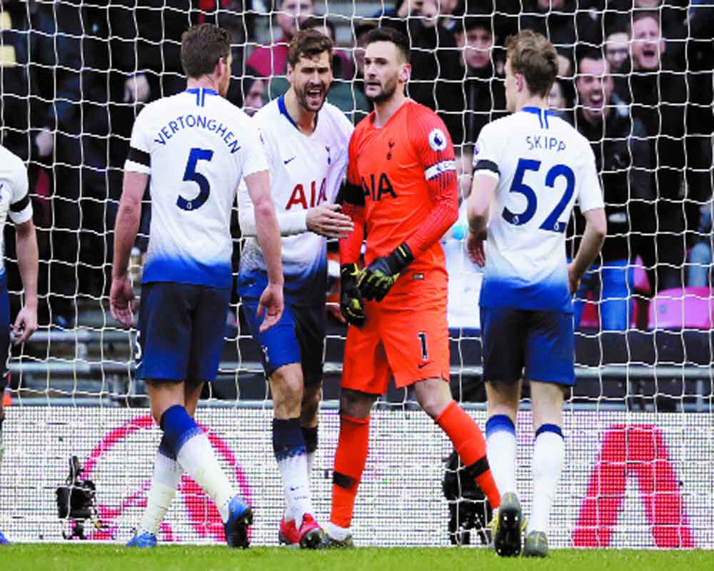 Spurs sink the Foxes