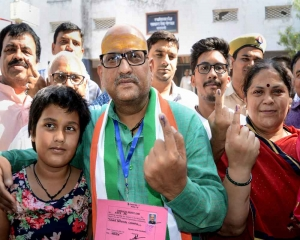 61 pc voter turnout in last phase of LS polls: EC