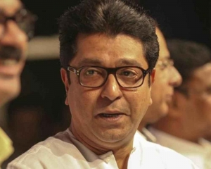 Raj Thackeray reaches ED office with family in tow