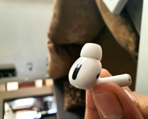 Apple issues firmware update for AirPods Pro