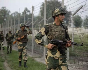 Army officer killed, soldier injured in IED blast along LoC in JK