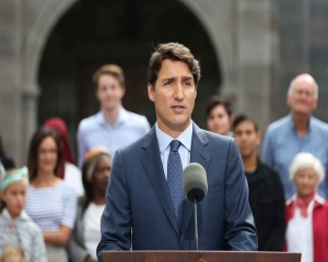 Canada's Trudeau admits to racist 'brownface' makeup