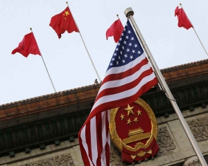 China appeals to Washington for quick end to trade war