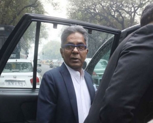 Chopper scam: SC asks Rajeev Saxena to appear before AIIMS medical board