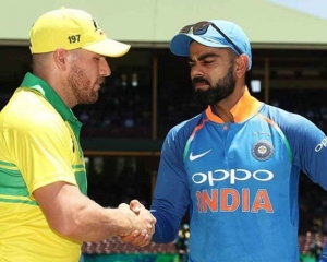 Finch wins toss, elects to bat in first ODI