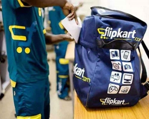 Four arrested for stealing 150 mobiles from Flipkart's delivery hub