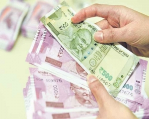 FPIs withdraw Rs 3,014 cr from capital markets in August so far