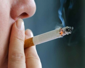 Health warnings on each cigarette may help reduce smoking